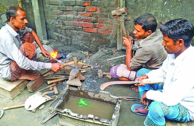 Blacksmiths spending busy time in Nakla