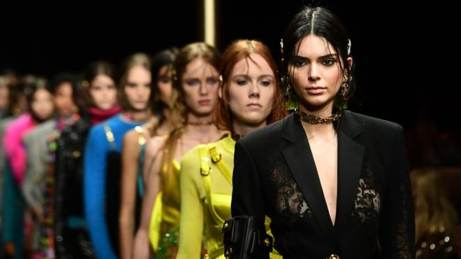 Versace apologises after T-shirt draws China ire