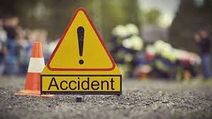 6 killed as picnic bus hits tree in Feni