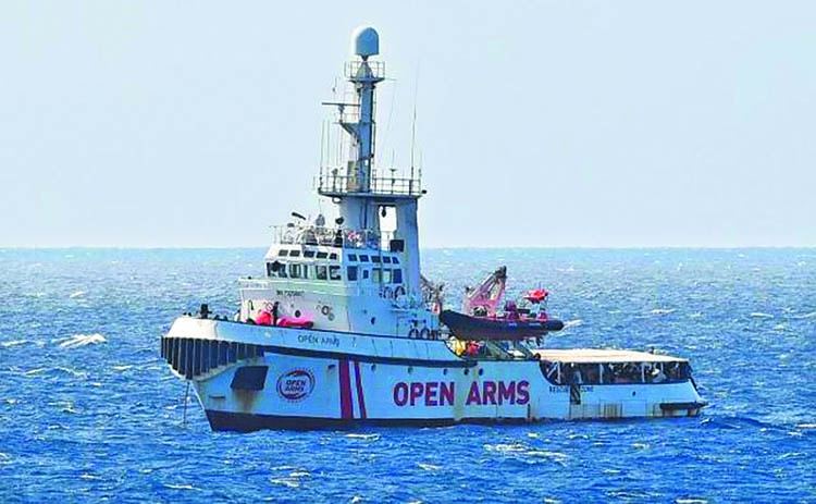 'Spain to take some migrants on Open Arms ship'
