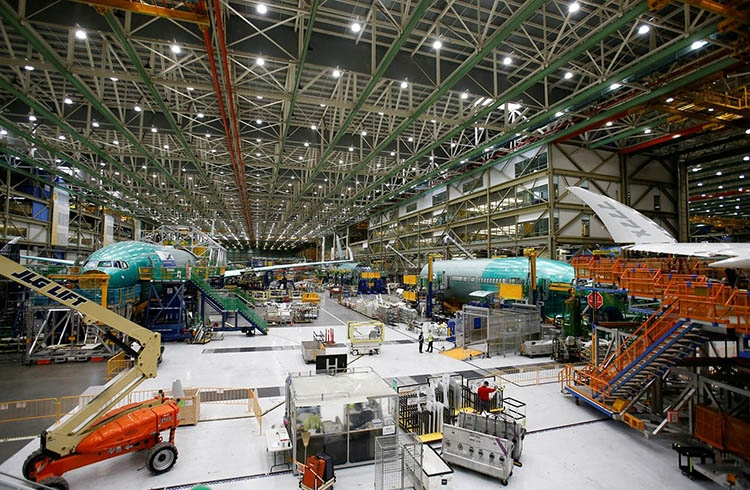 Boeing delays delivery of 777X ultra-long-range version