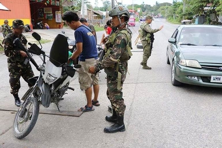 Suicide bomber killed at Philippine army base