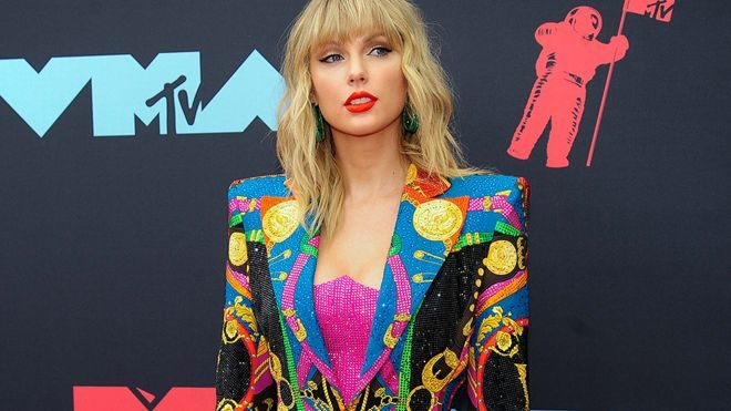 Taylor Swift 'tried to sue' over racist chatbot