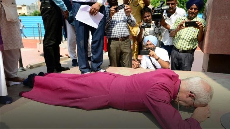 Archbishop of Cantebury prostrate over 1919 India massacre'