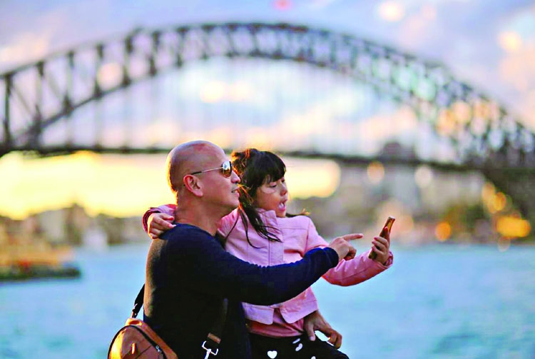 Chinese tourists to Australia slow but record Americans head Down Under