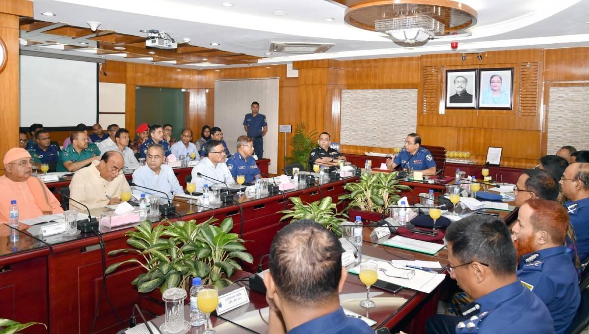 IGP assures Hindu community of security during Durga Puja