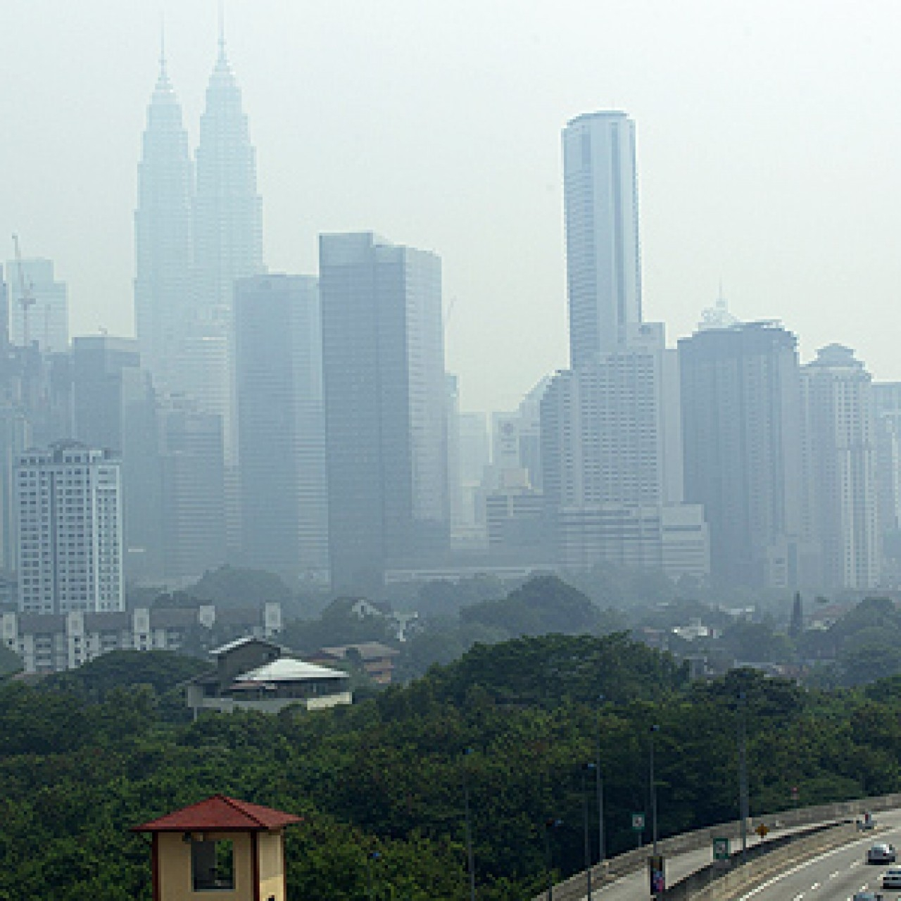 Defiant Indonesia rejects Malaysia's haze complaints, despite evidence