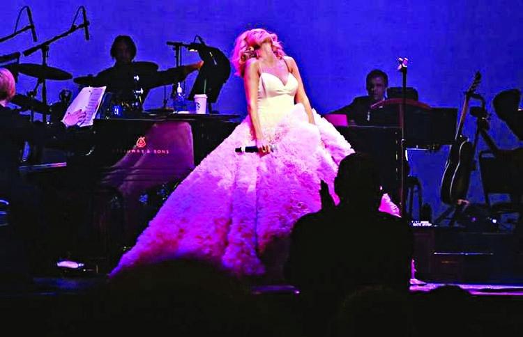 Kristin Chenoweth offers musical testament to women's empowerment