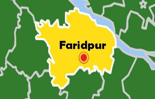 Three killed in Faridpur road crash