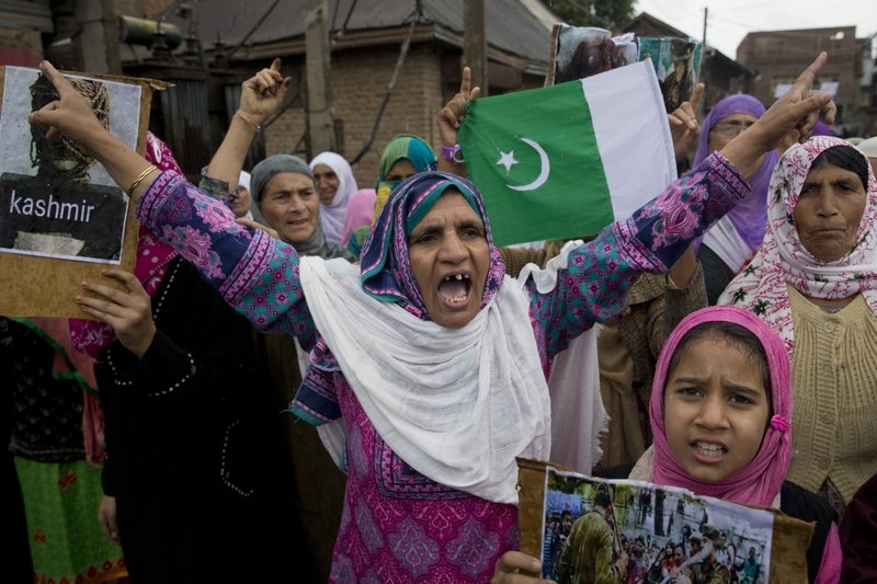 India to allow tourists back into Kashmir