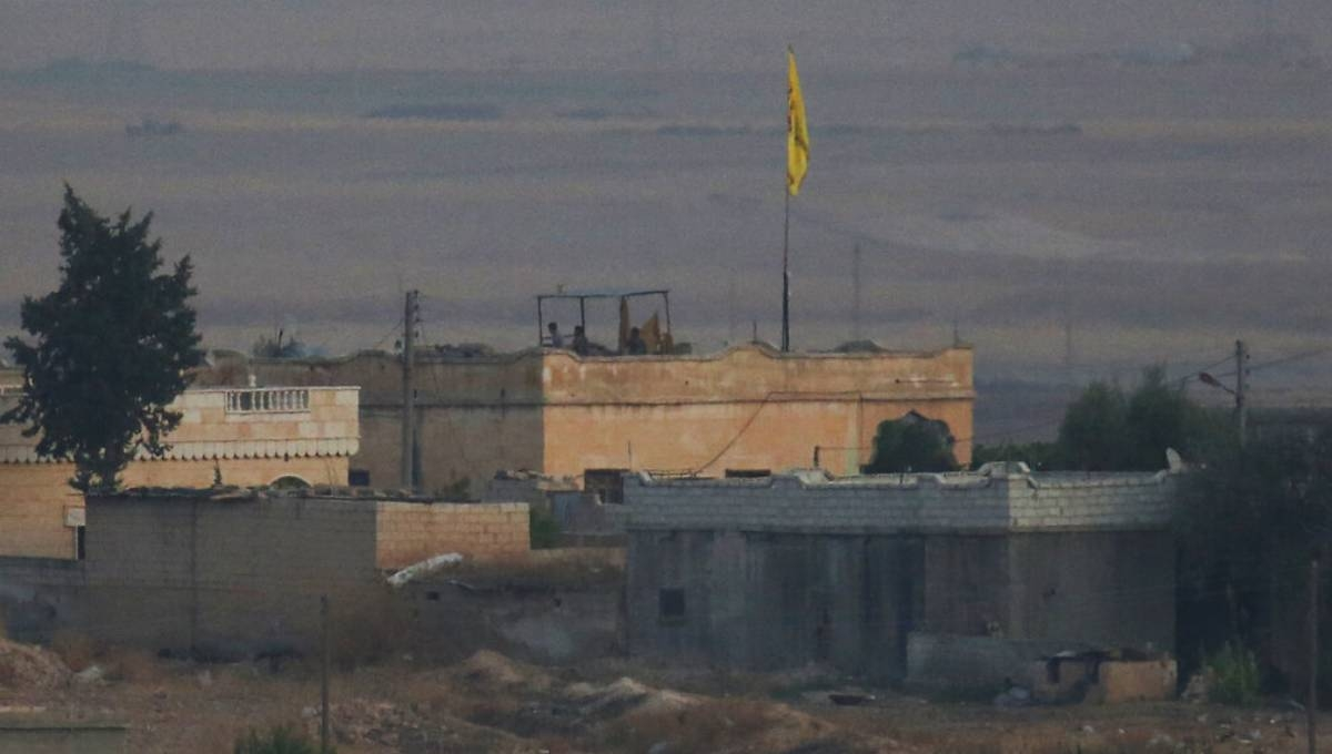 IS militants hit US-backed Kurdish fighters in north Syria