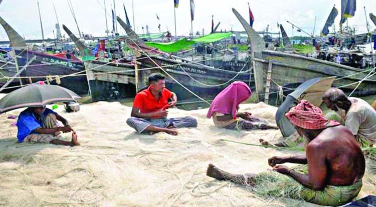 Fishing trawlers sitting idle in Karnaphuli