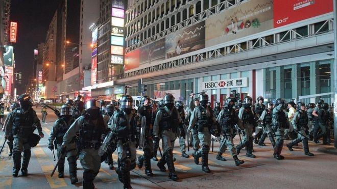 Apple drops Hong Kong police-tracking app