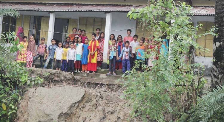 1.73 lakh drought-hit people to get water supply in Barind