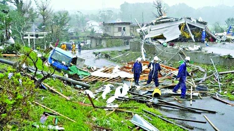 Two dead as 'unprecedented' Typhoon nears Japan