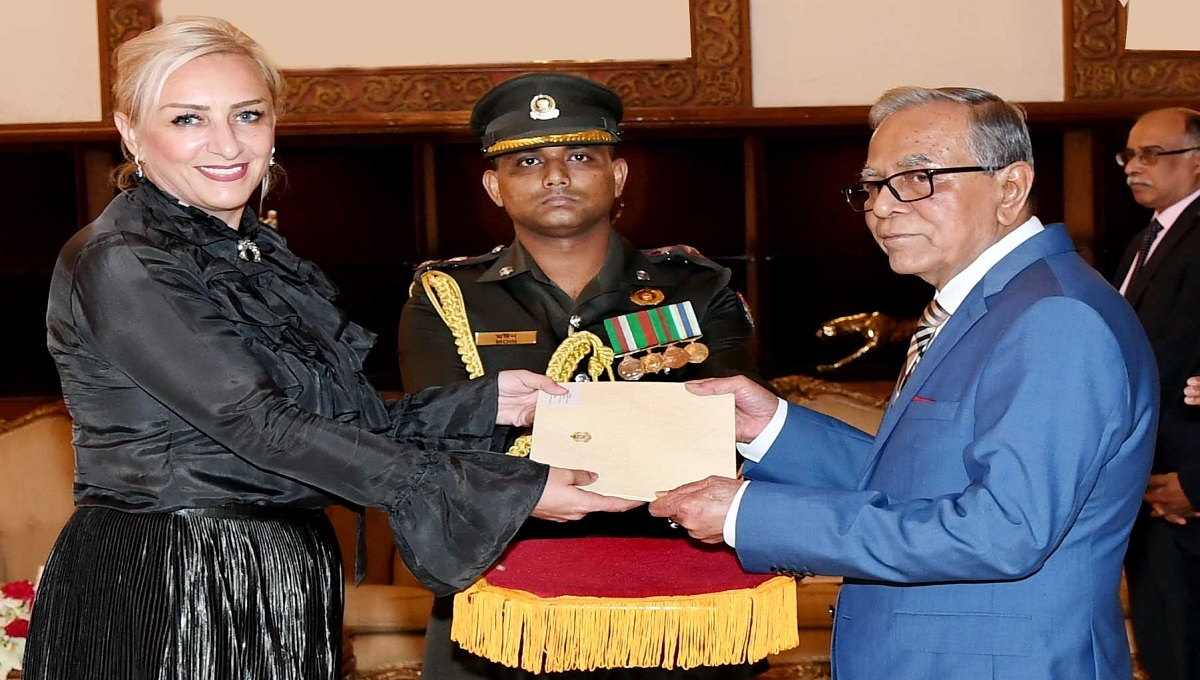 Three envoys present credentials to President