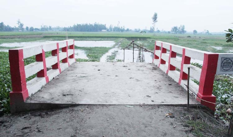 Bridge remains useless for lack of approach roads in Bogura