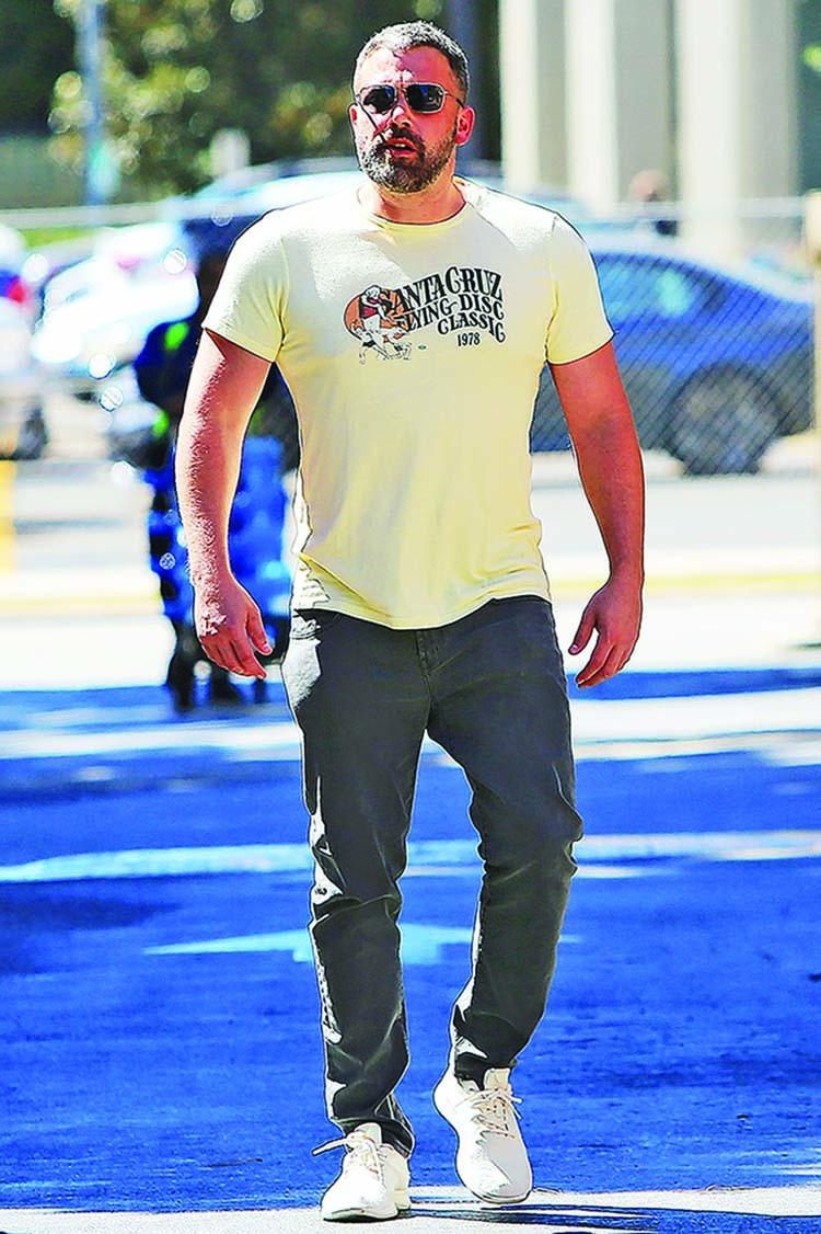 Ben Affleck arrives at ex-wife's house