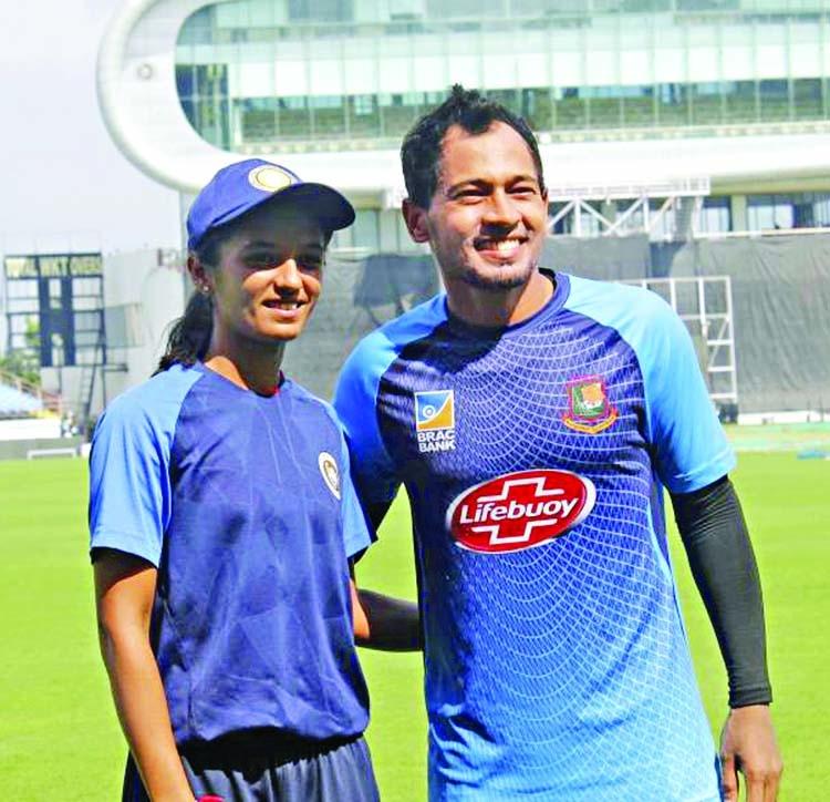 Riddhi finally meets her 'idol'