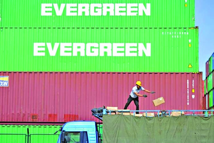China's exports, imports to contract at sharper pace