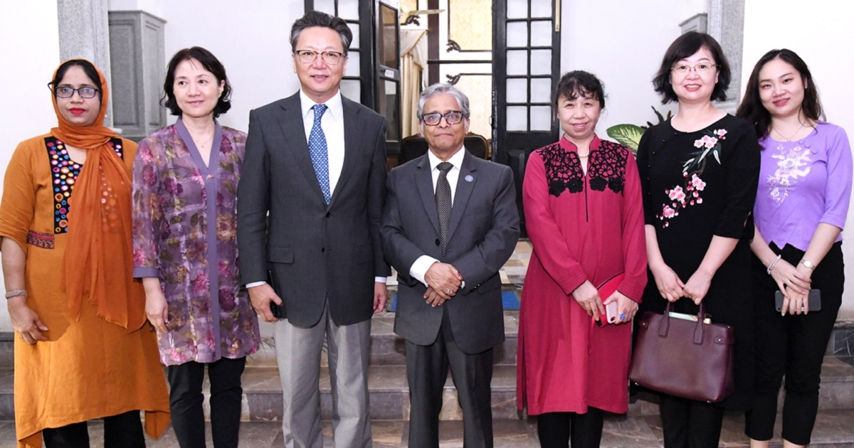 Chinese envoy calls on DU VC