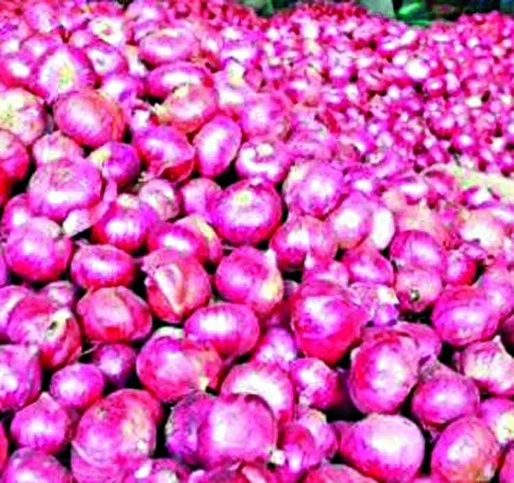 Onion traders fined for price hiking