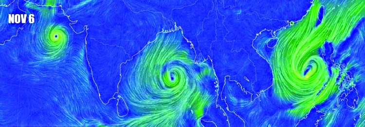 Cyclone heads for Bangladesh
