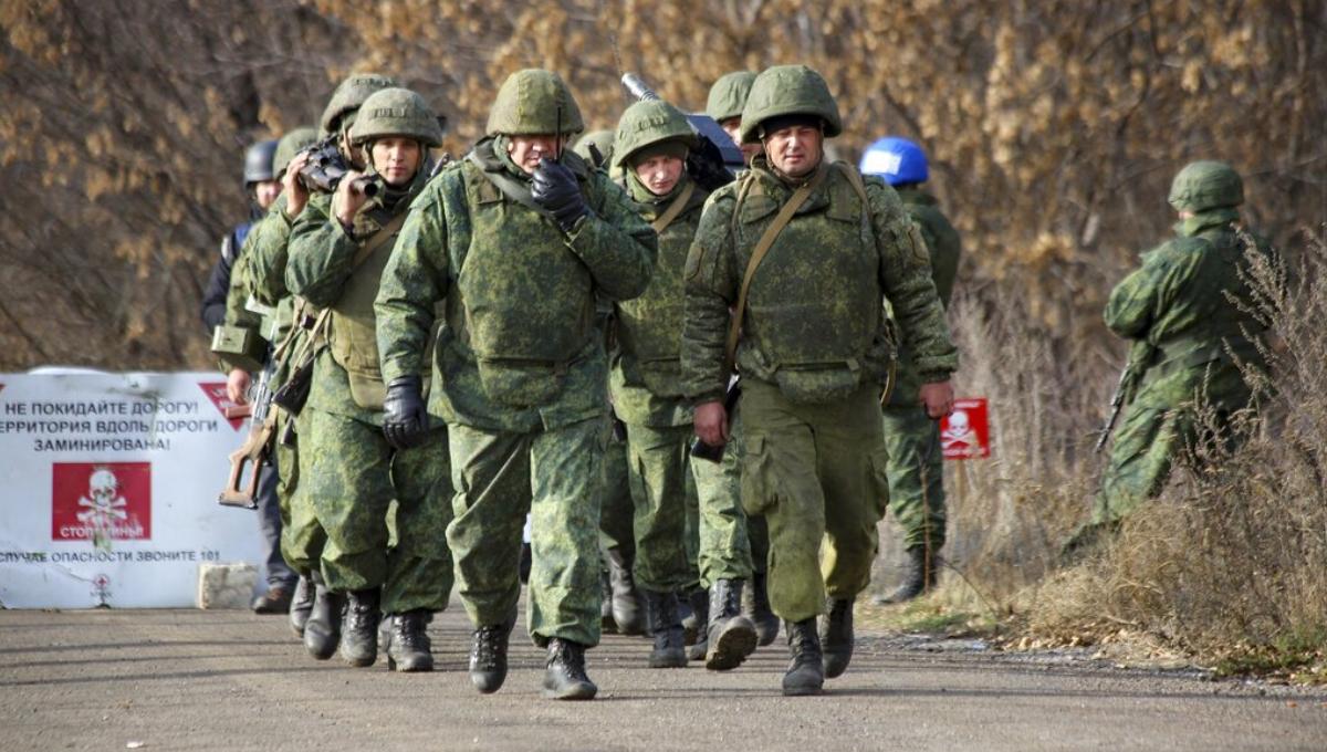 New military pullback begins in eastern Ukraine