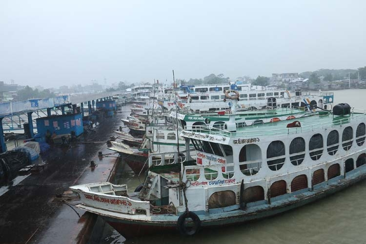 Water transports stopped in Barishal