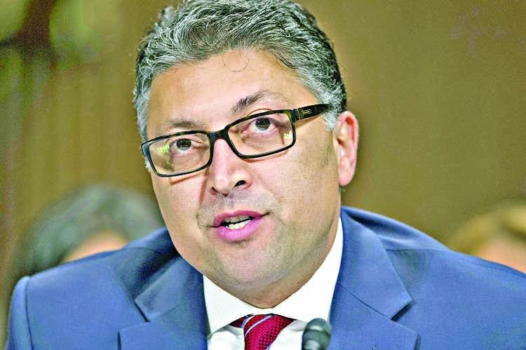 Top antitrust enforcer warns Big Tech