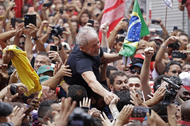 Freed ex-president tells crowd Brazil's left can win in 2022