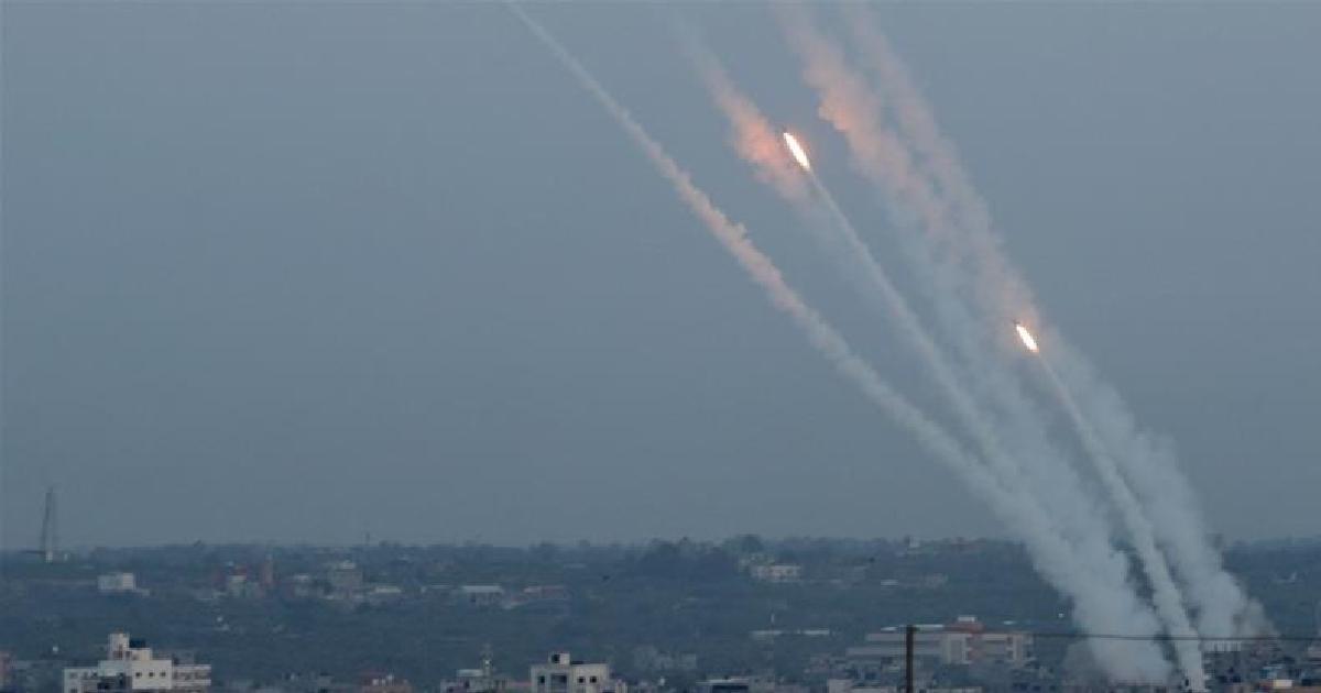 Israeli war jet attacks Gaza militants' facility in response to rocket firing