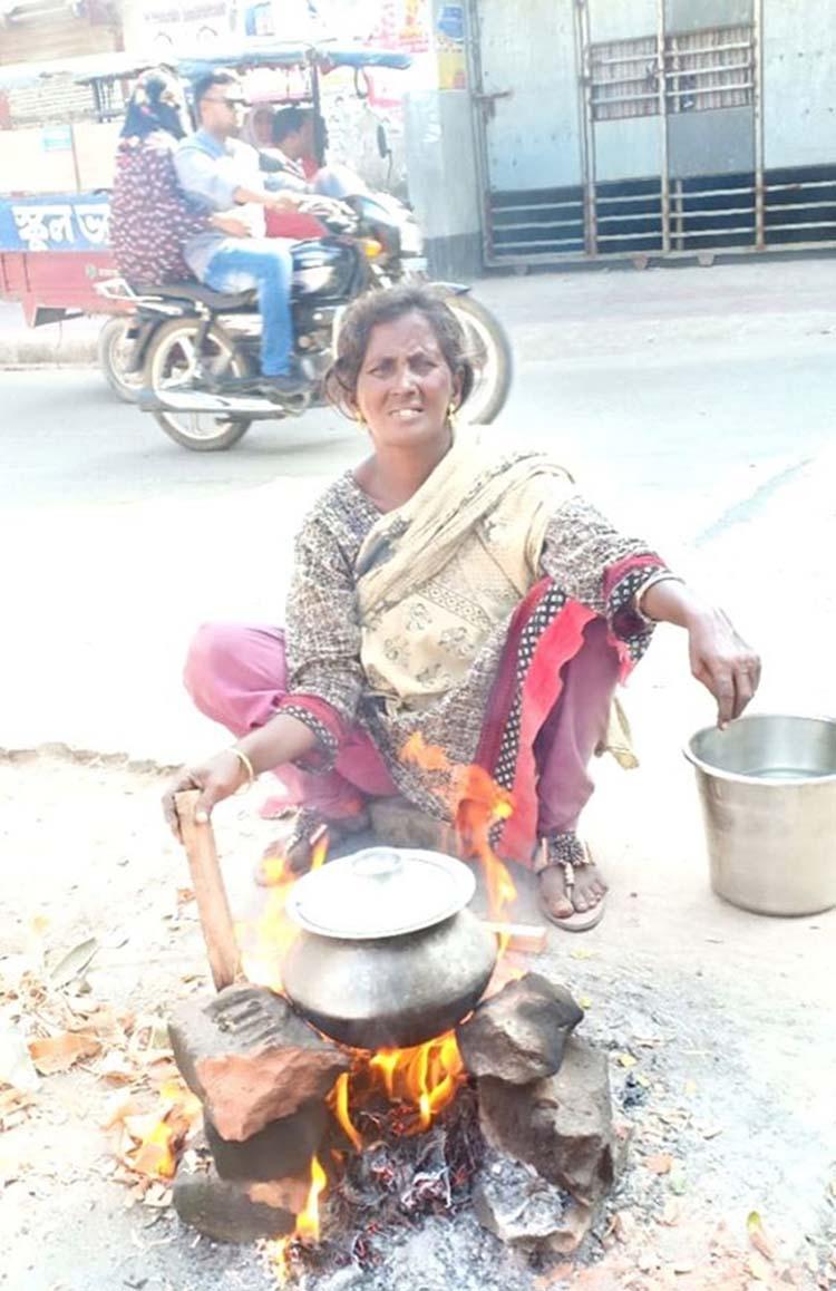 Rafela Begum gets shelter through Naogaon DC