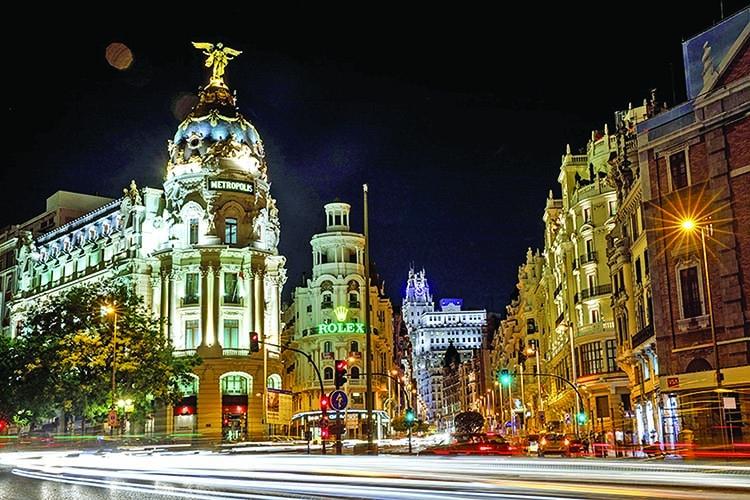 Spanish services activity speeds up