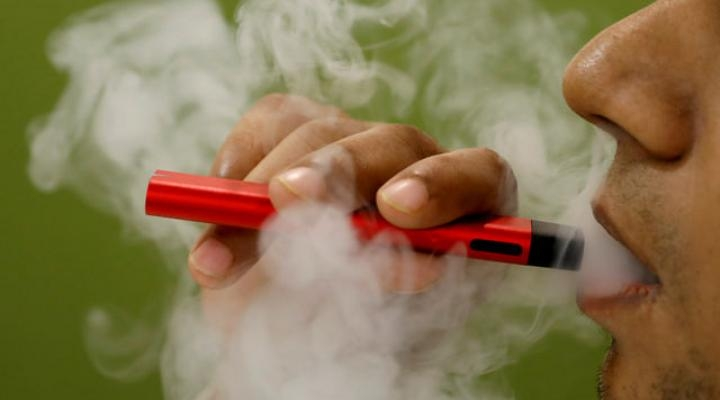 US vaping-related deaths rise to 52; 2,409 hospitalized