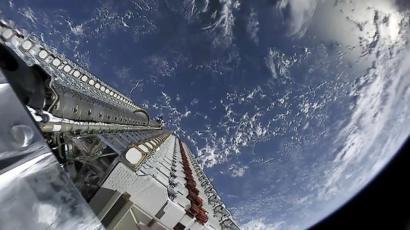 SpaceX sends more Starlink satellites into orbit