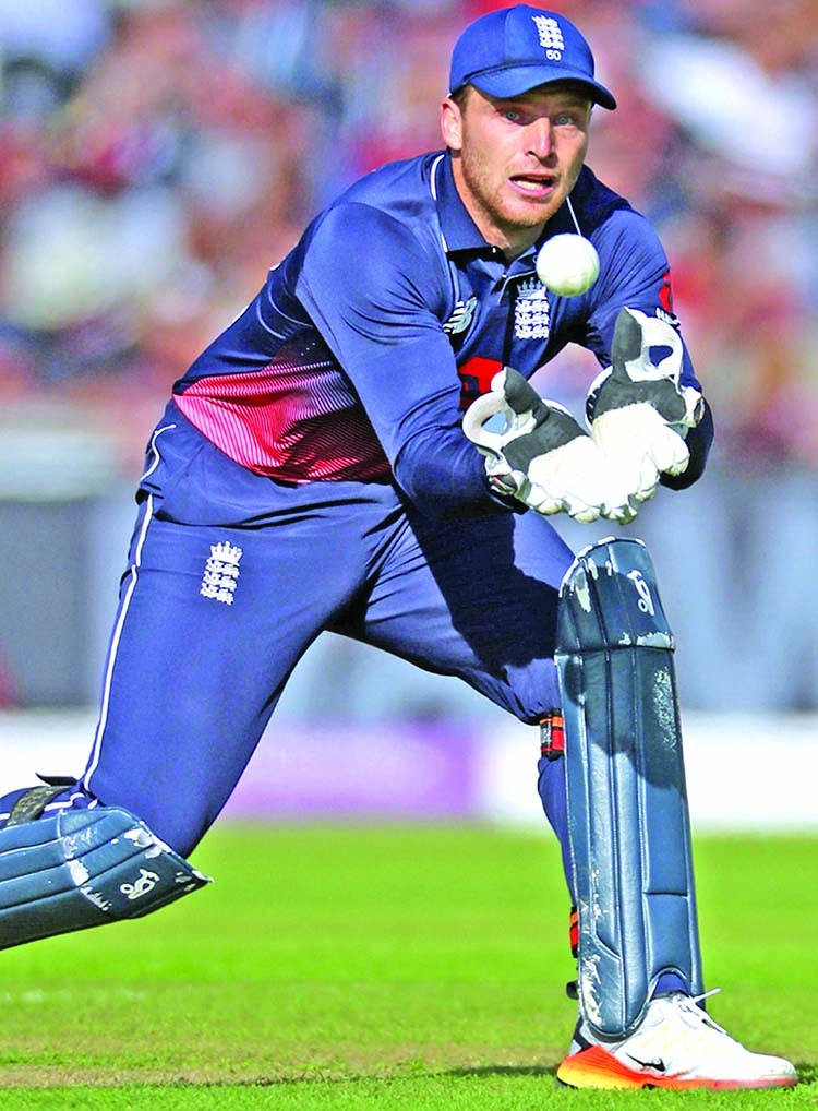 Jos Buttler questions use of stump microphones