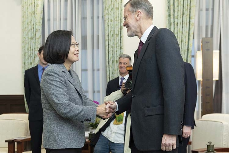 Taiwan's leader meets US official after election win
