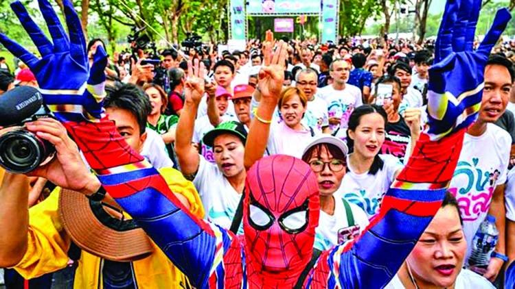 Thais demo for political freedom