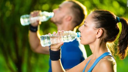 Consume right amount of fluid while working out