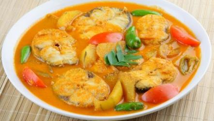 Easy 6 steps Hilsa Fish Curry