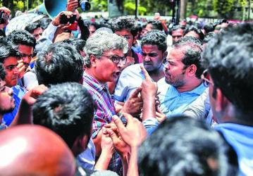 DU teachers, students come under attack again