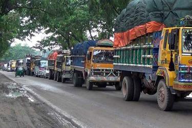 15-km tailback on Dhaka-Chittagong highway