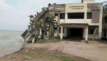Padma erosion: Govt approves Tk 1077 cr contract for protection