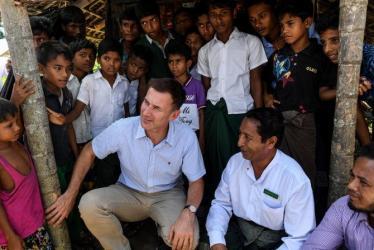 'World won't rest' on Rohingya crisis: Hunt to Suu Kyi