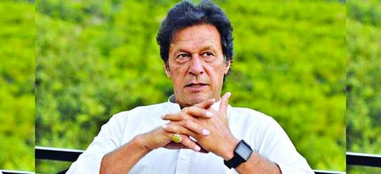 Imran Khan vows to hold peace talks with India