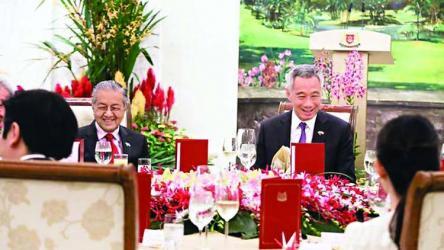 Lee, Mahathir reaffirm ties between Singapore, Malaysia