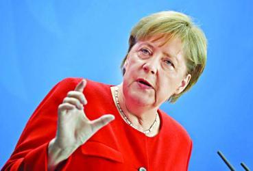 Merkel calls for more unified Europe
