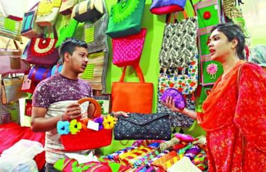 Buyers show interest in jute goods at DITF