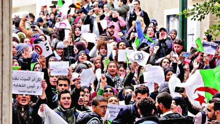 Algerian doctors call for protests against Bouteflika